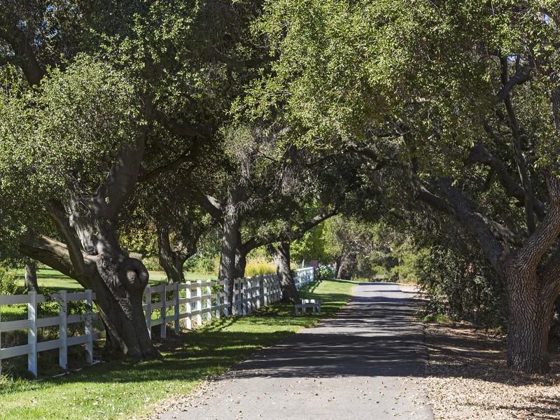 1464 Hidden Valley Rd, Thousand Oaks, CA 91361