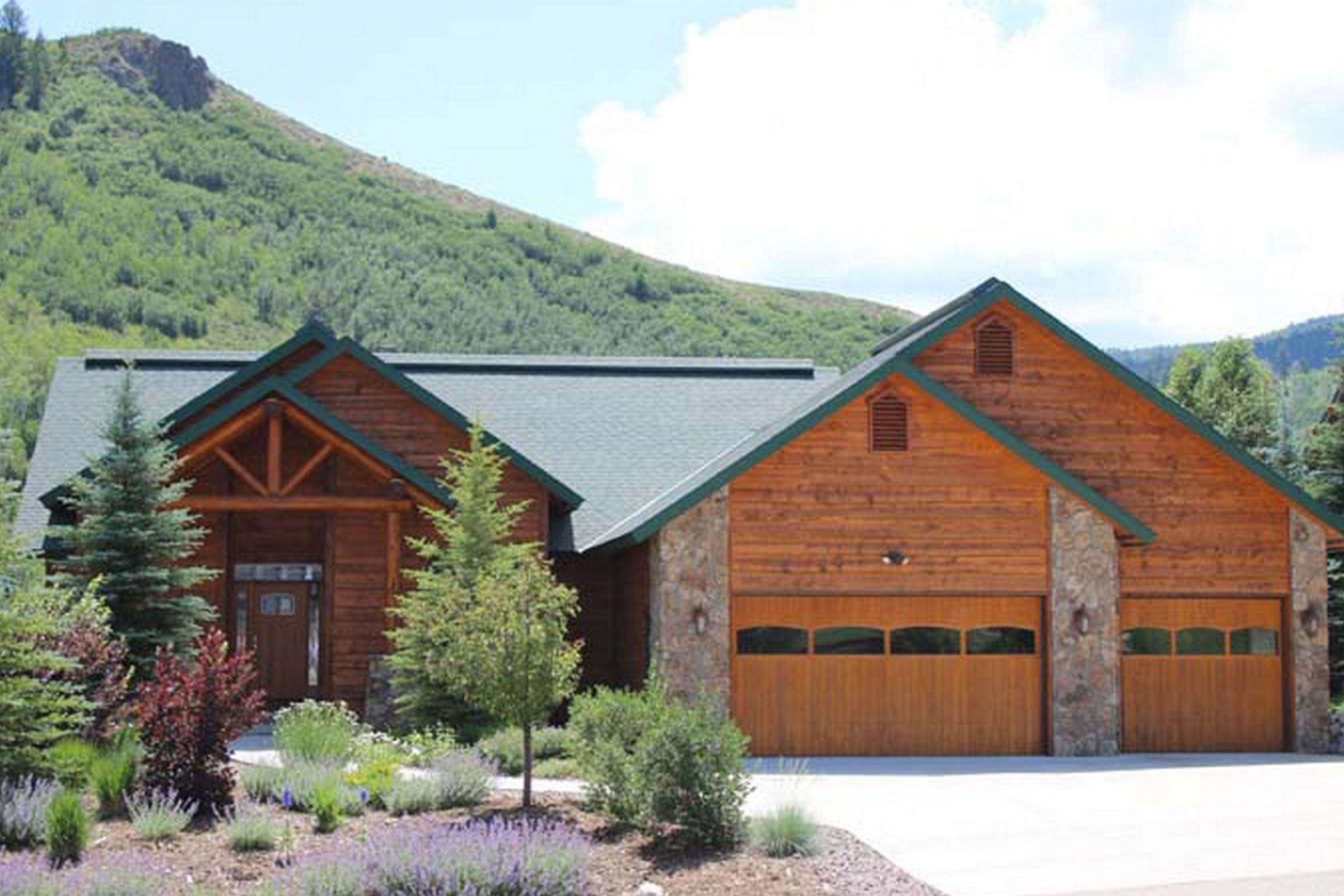 30370 Coyote Run Ct, Oak Creek, CO 80467