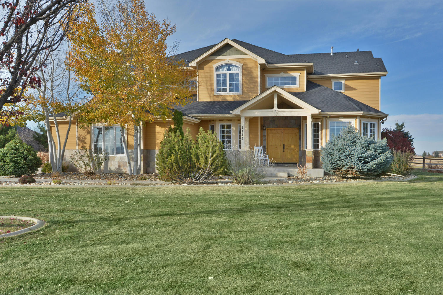 1145 Shelby Dr, Berthoud, CO 80513