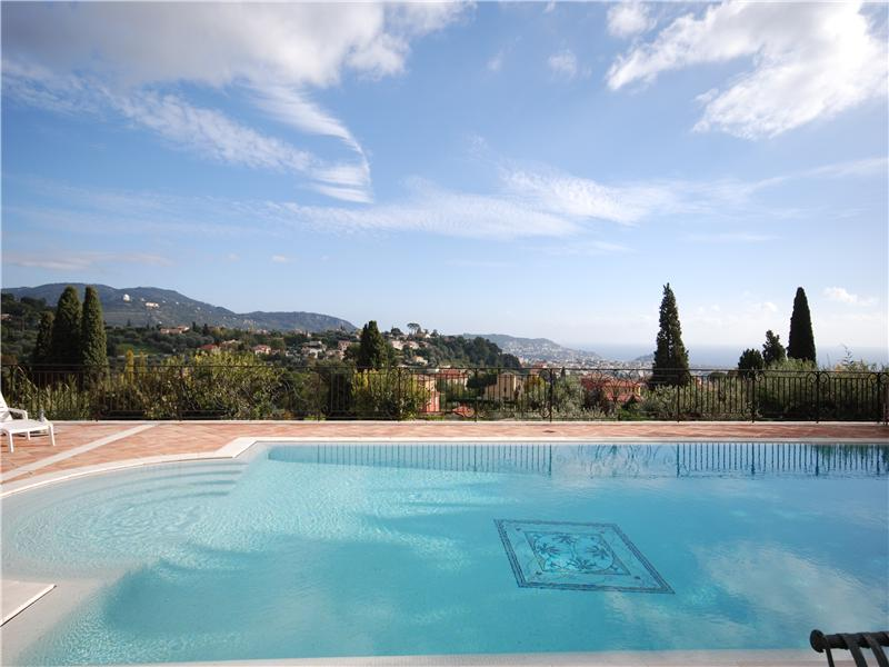 Charming bastide with sea views