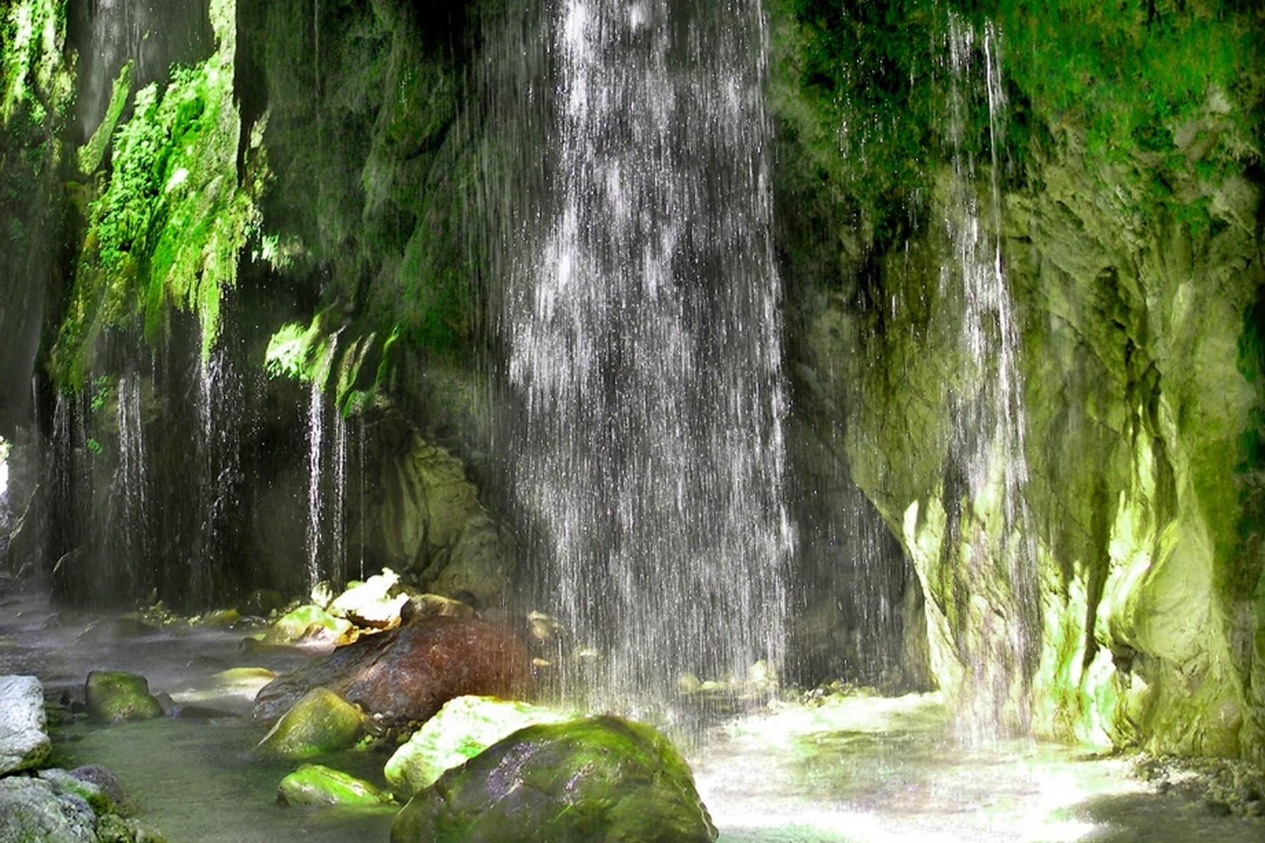 壁纸 风景 旅游 瀑布 山水 桌面 1800_1200