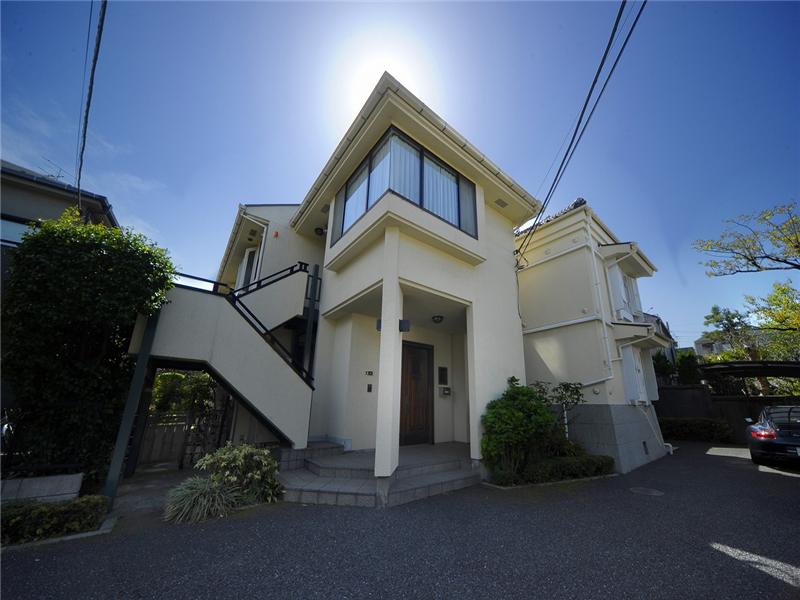 Japan shinjuku multi family home for sale on propgoluxury for Japan homes for sale