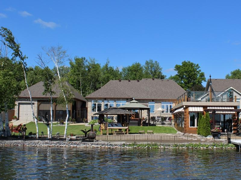 Port Perry - Custom Waterfront Bungalow
