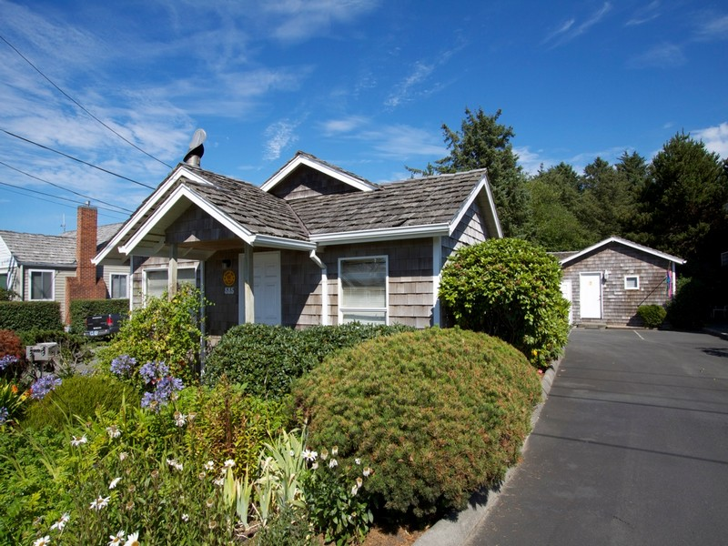 123 E Jefferson St, Cannon Beach, OR 97110