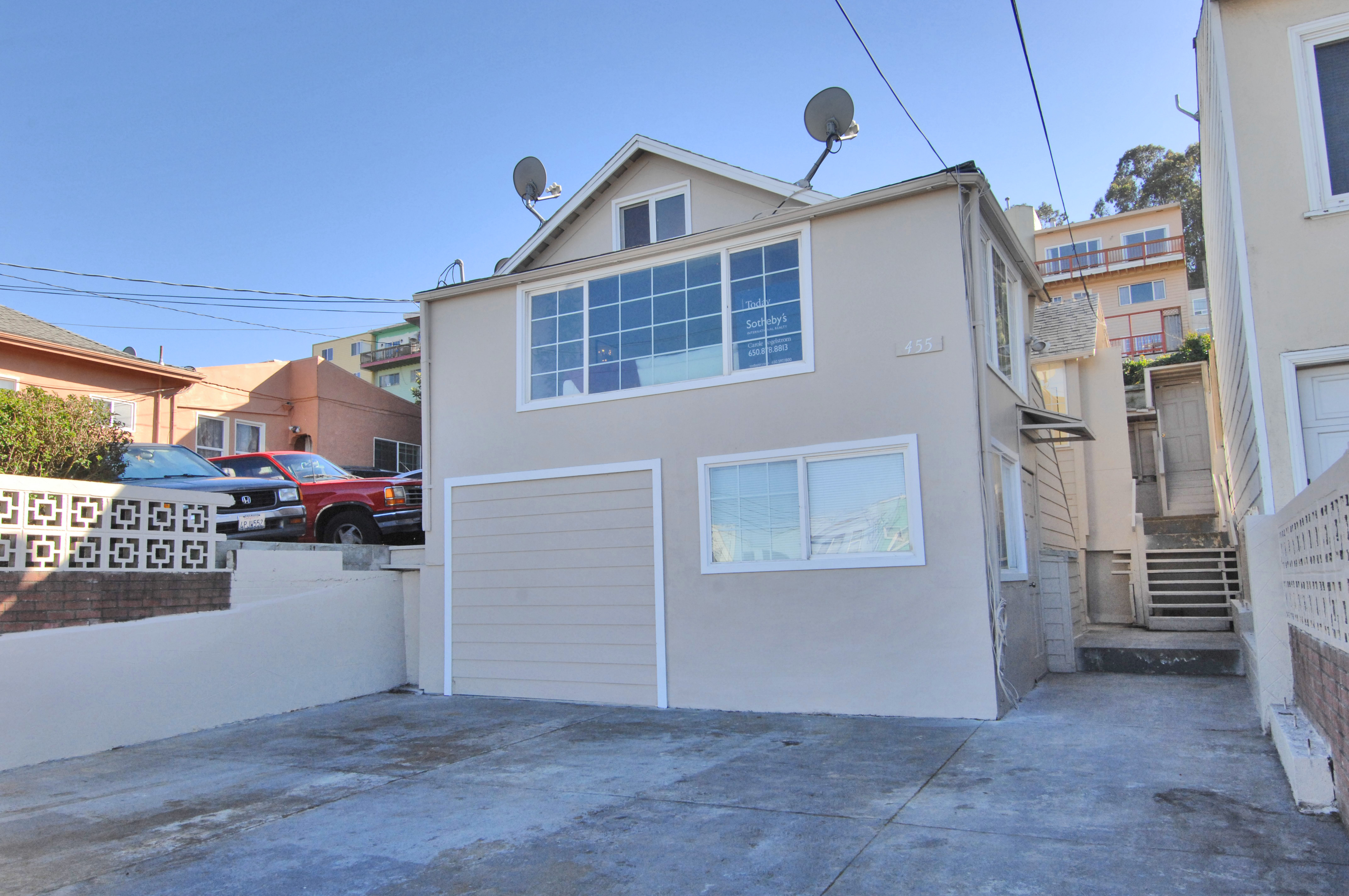 455 Bellevue Ave, Daly City, CA 94014