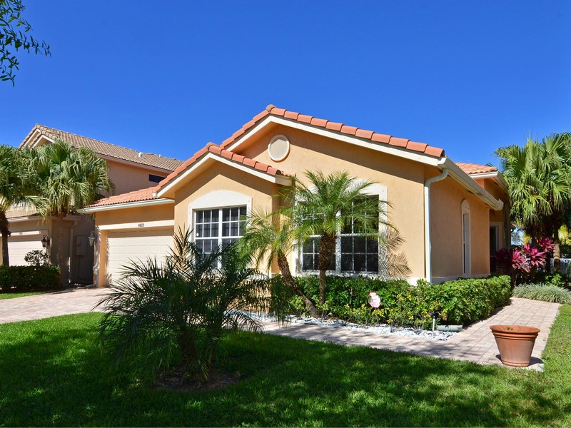 4823 N Classical Blvd, Delray Beach, FL 33445