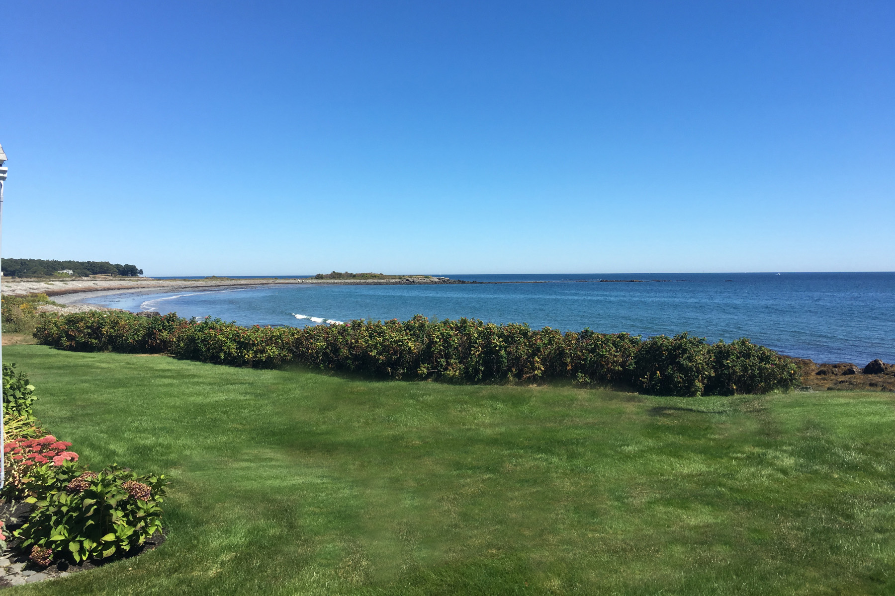 77 Tower Rd, Kittery Point, ME 03905