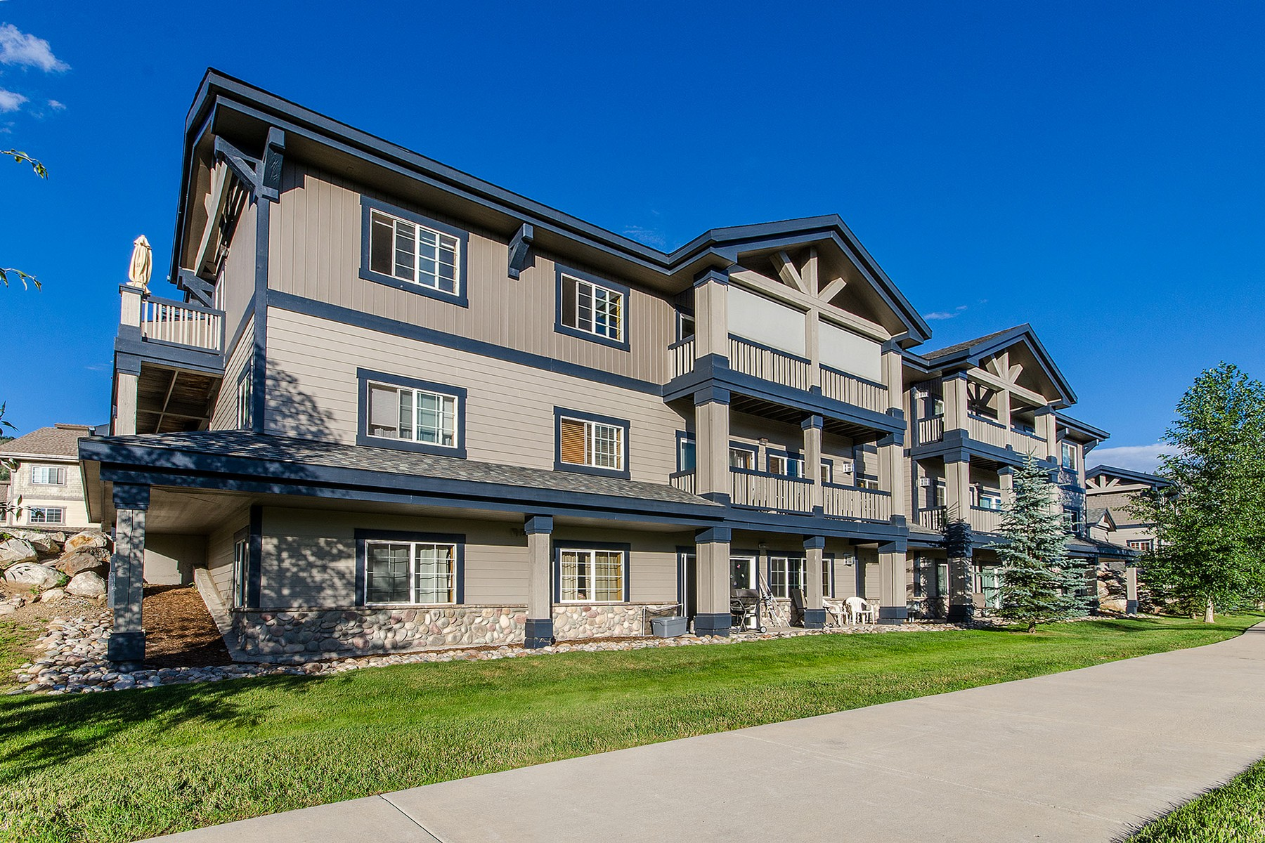 3365 Columbine Dr # 403, Steamboat Springs, CO 80487