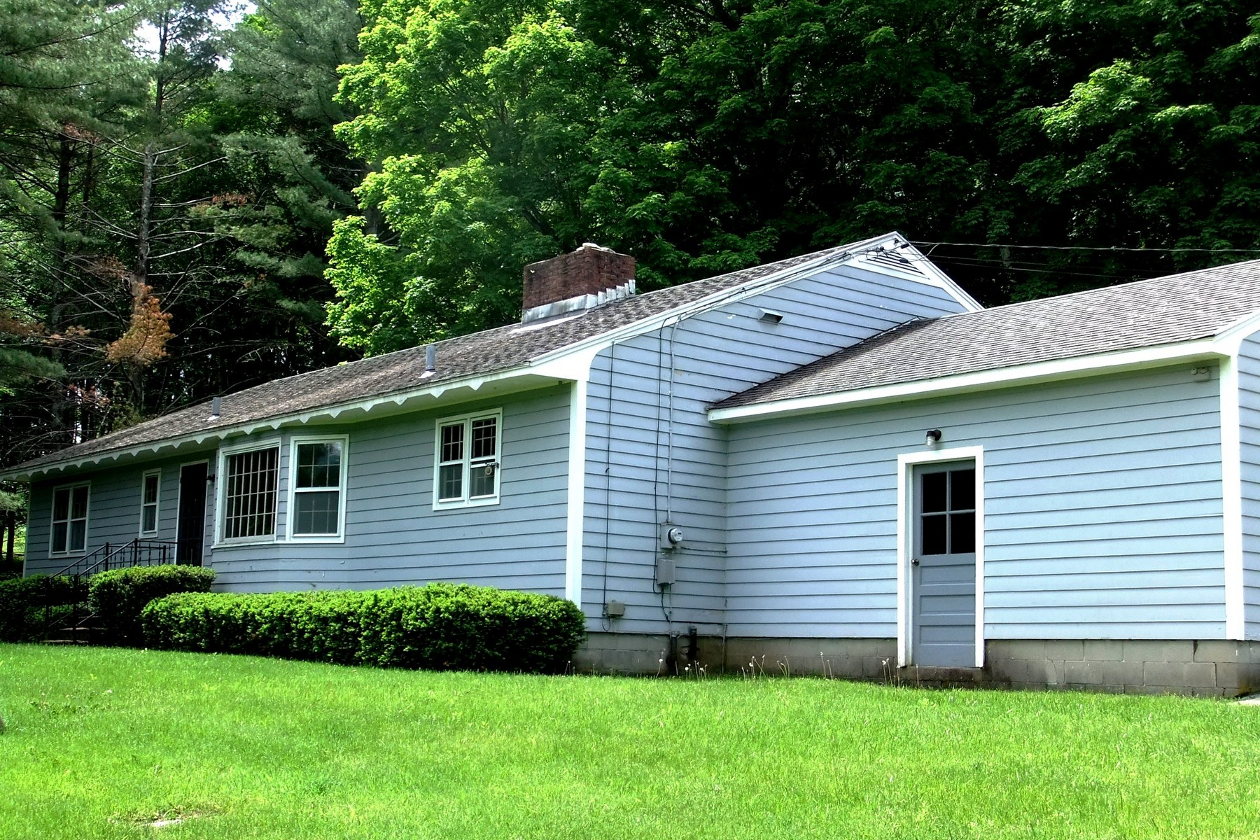 94 E View Ln, East Dorset, VT 05253