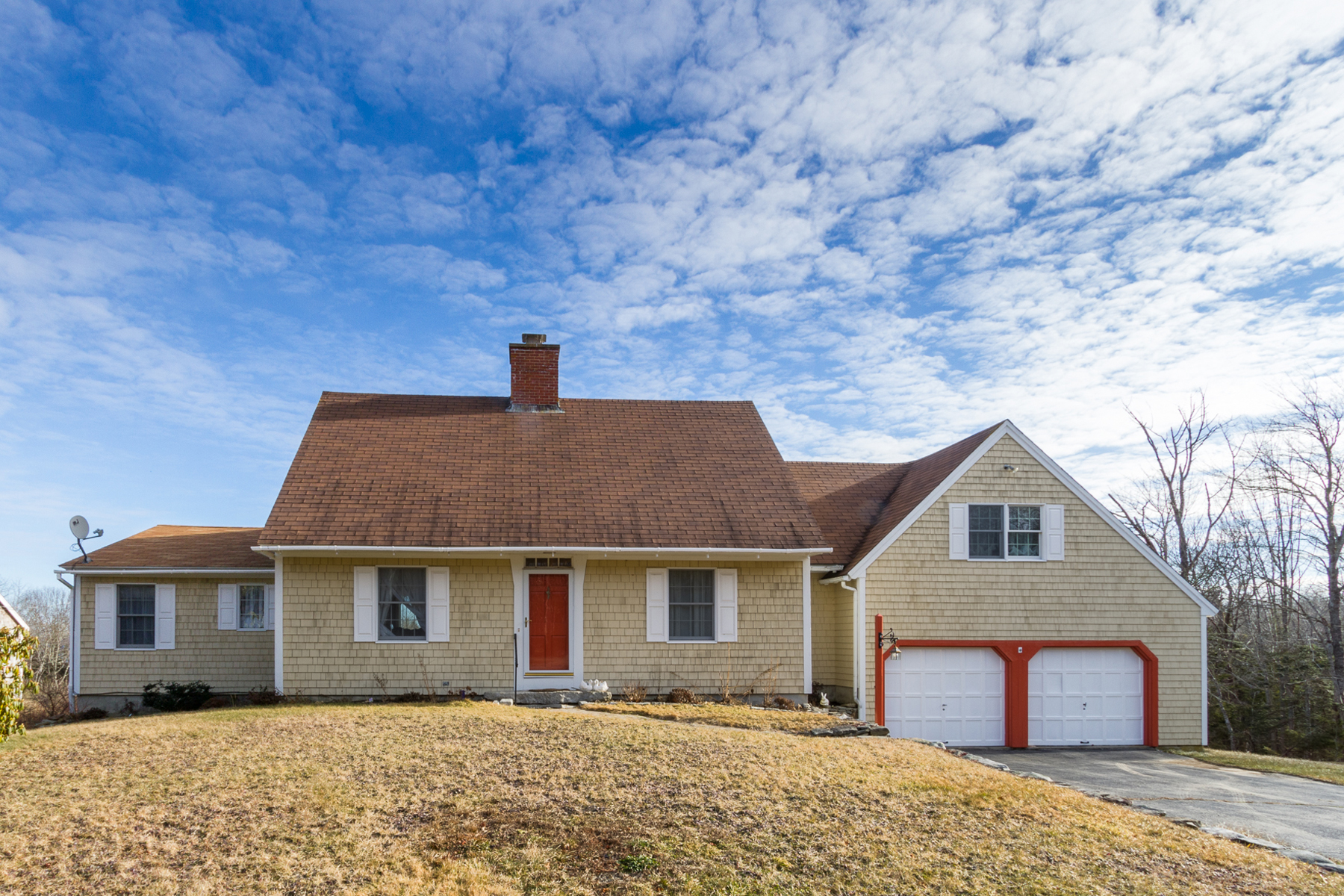 46 Old Mill Rd, New Harbor, ME 04554