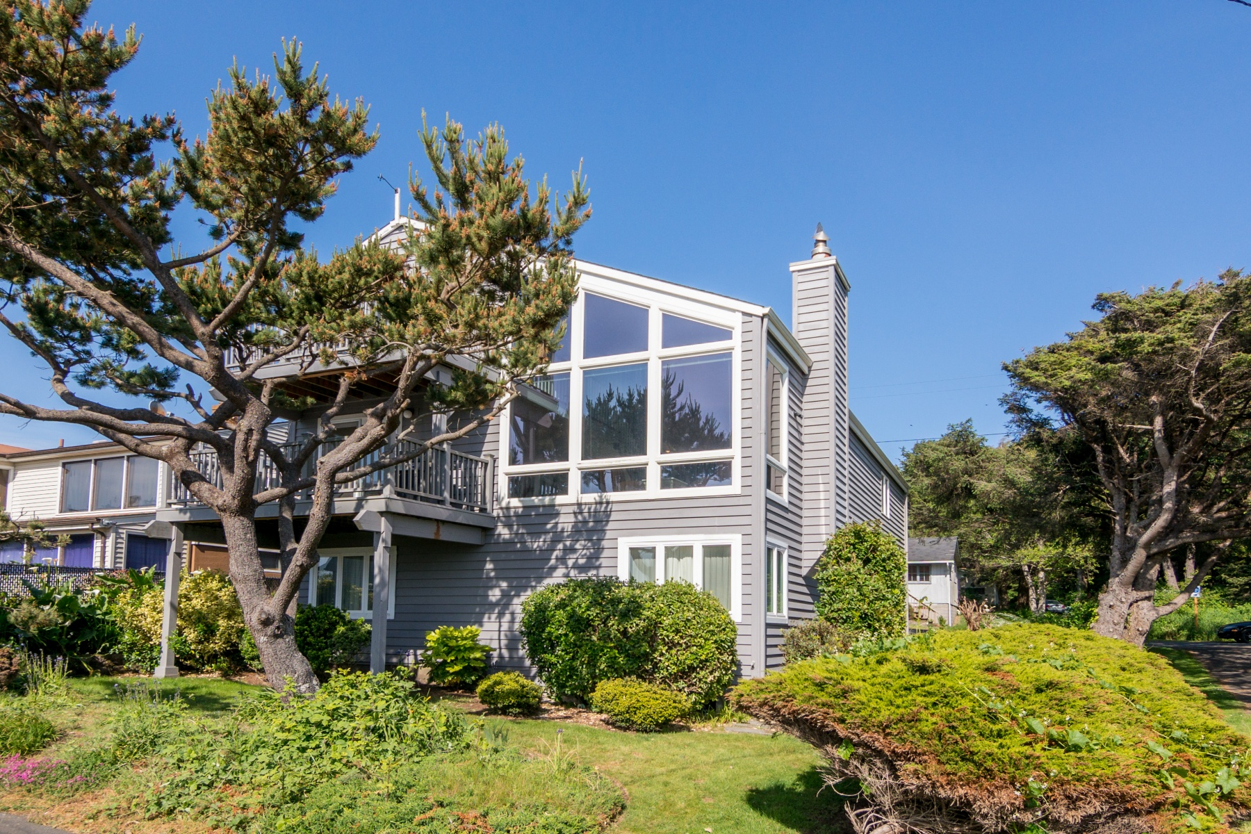 3888 Pacific Ave, Cannon Beach, OR 97110