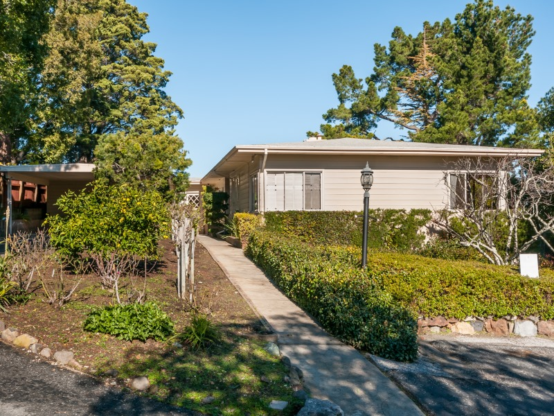 2851 Hillside Dr, Burlingame, CA 94010
