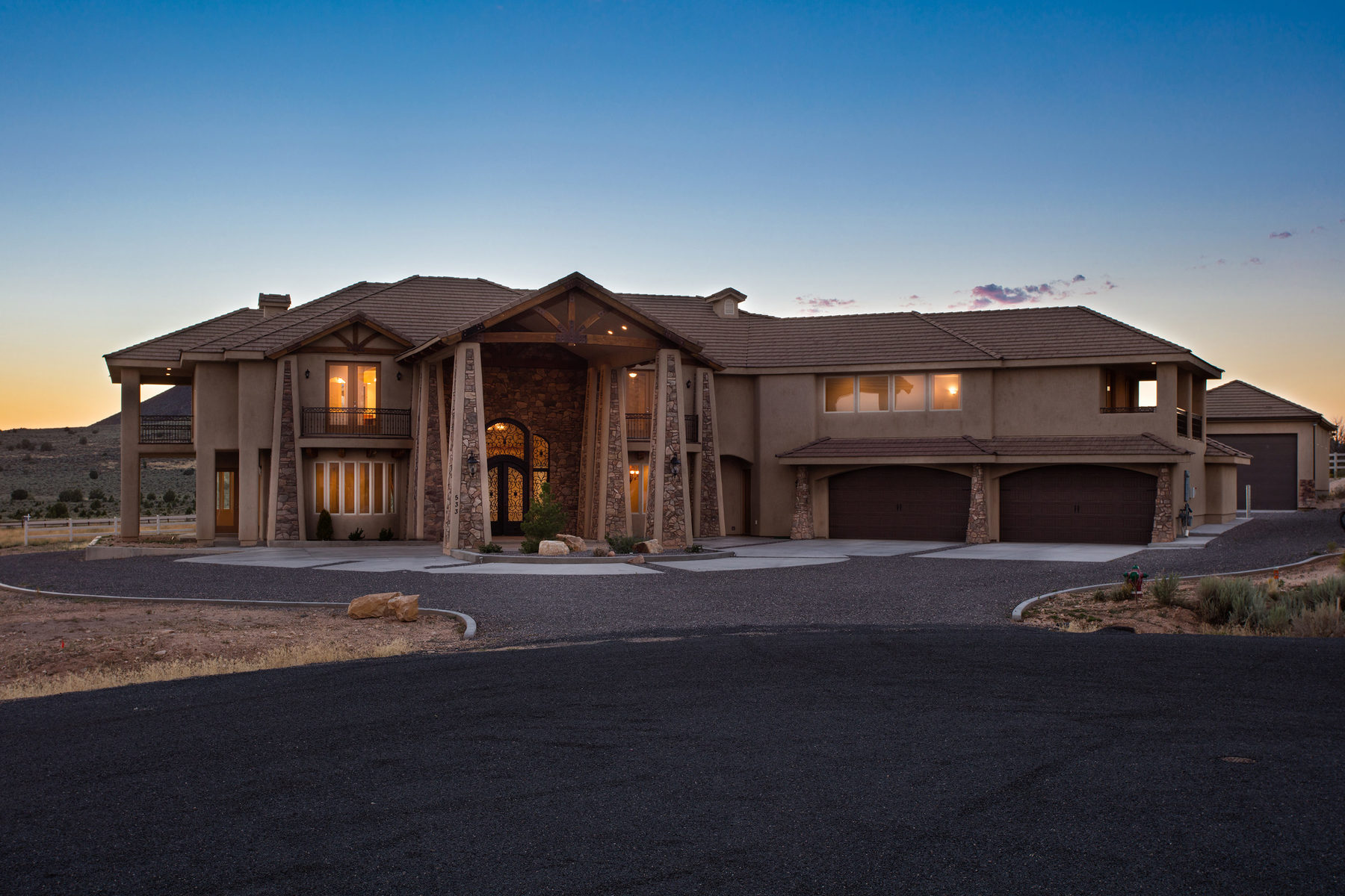 533 W Canyon Trails Cir, Dammeron Valley, UT 84783