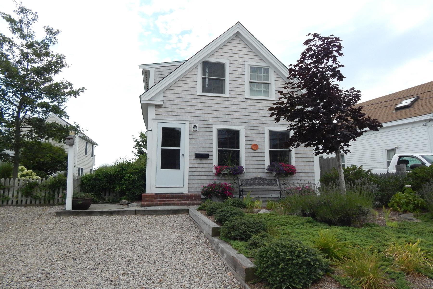44 Franklin St, Provincetown, MA 02657