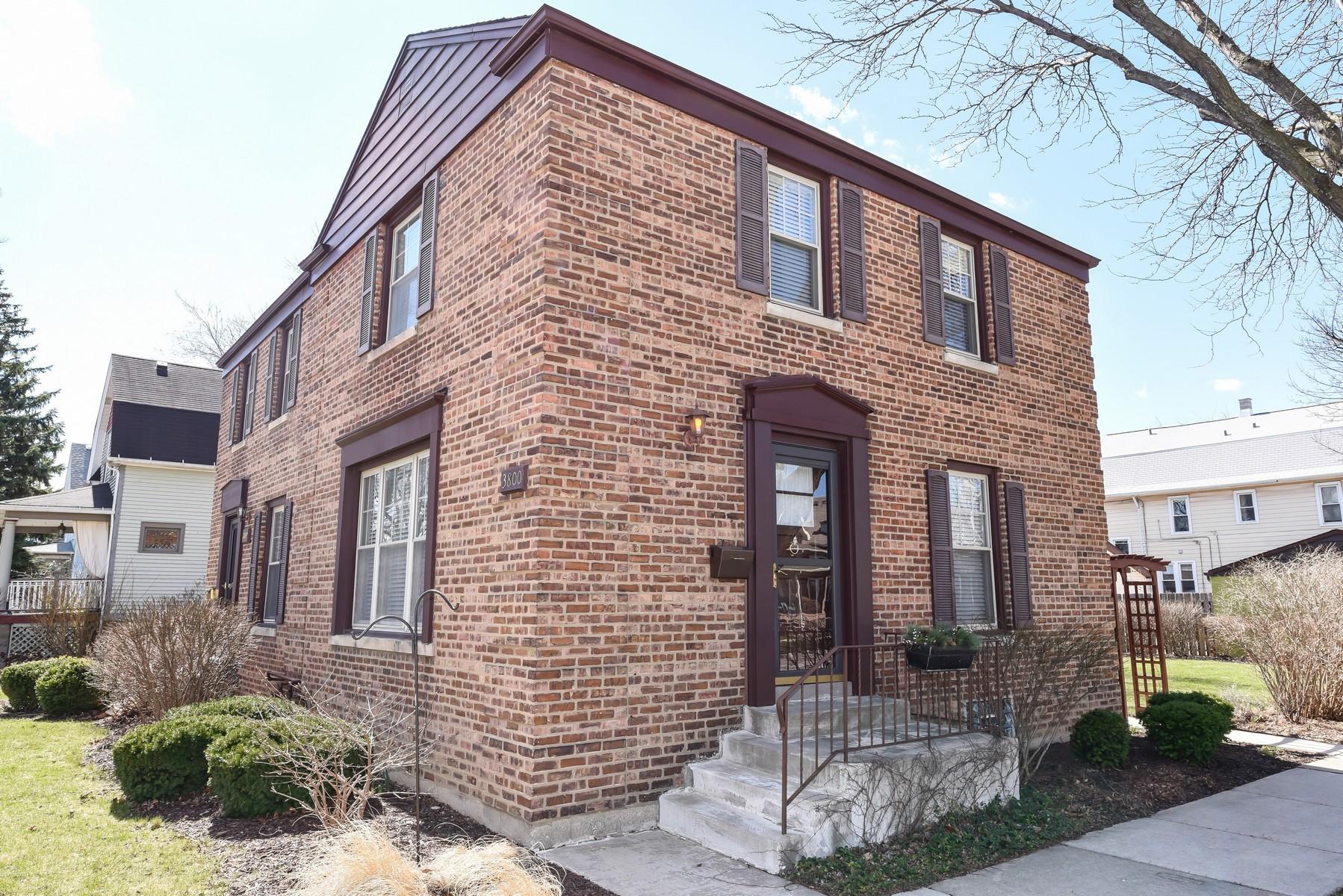3800 Elm Ave, Brookfield, IL 60513