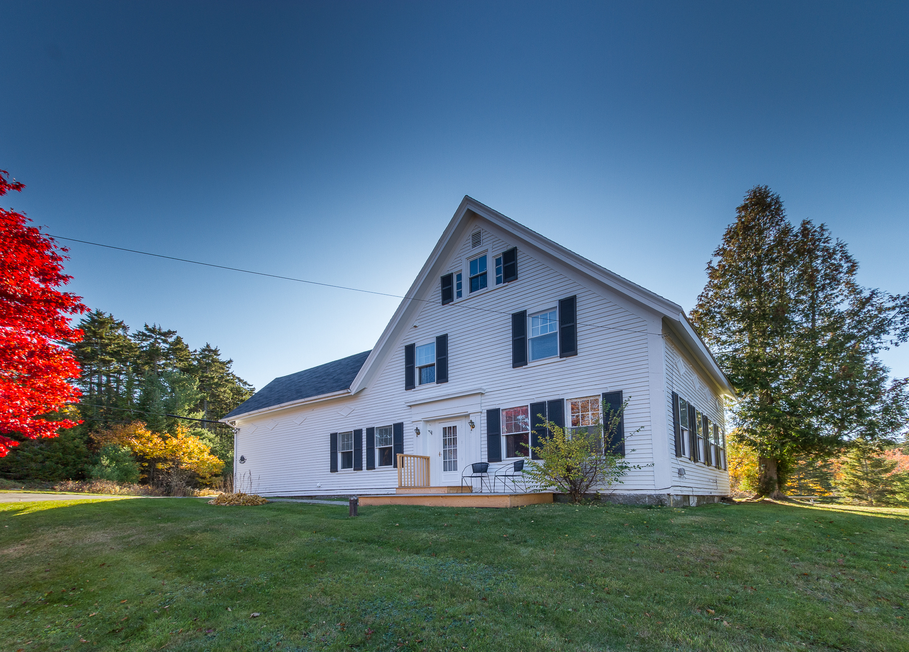 5 Cove Point Rd, Southport, ME 04576