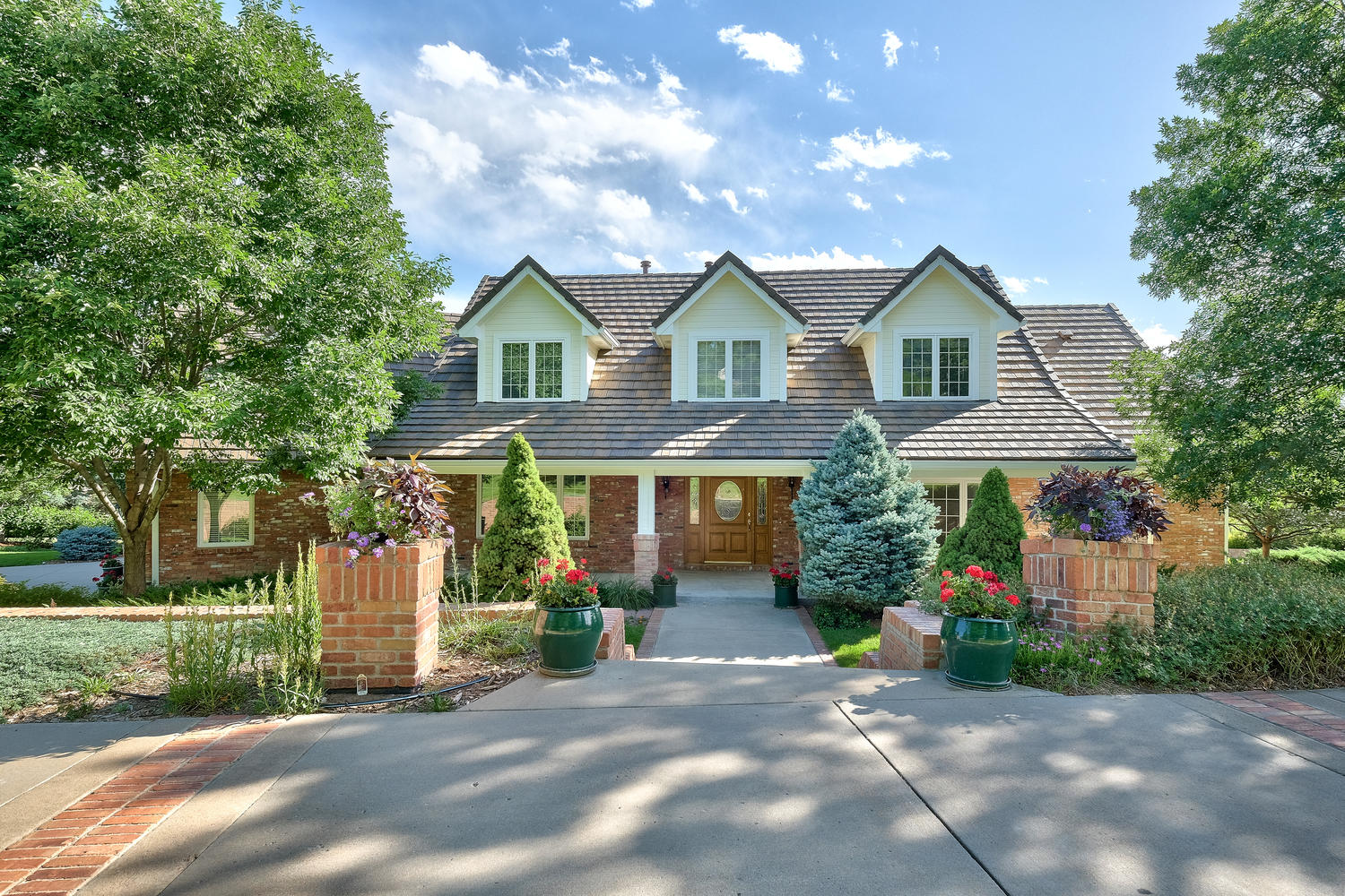 800 E Westglow Ln, Greenwood Village, CO 80121