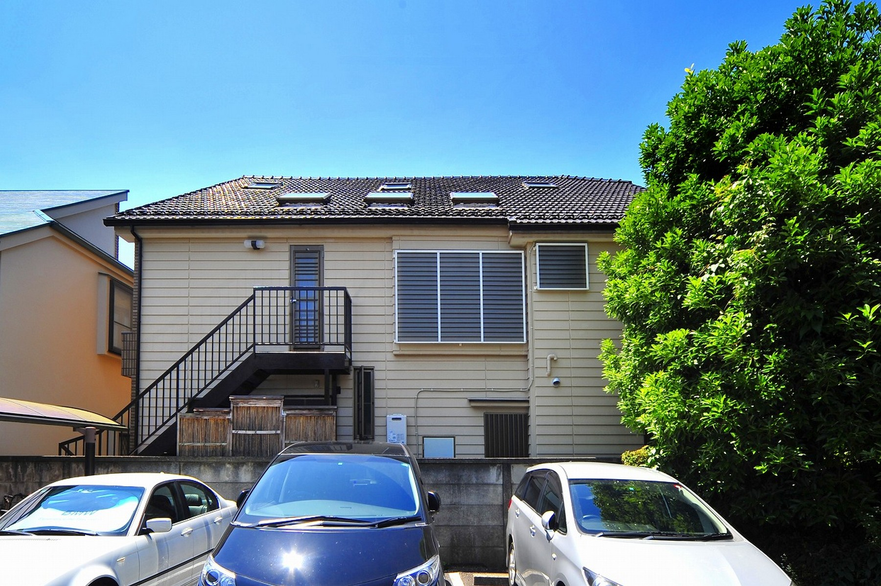 Japan japan fuchu house for sale on propgoluxury for Japan homes for sale