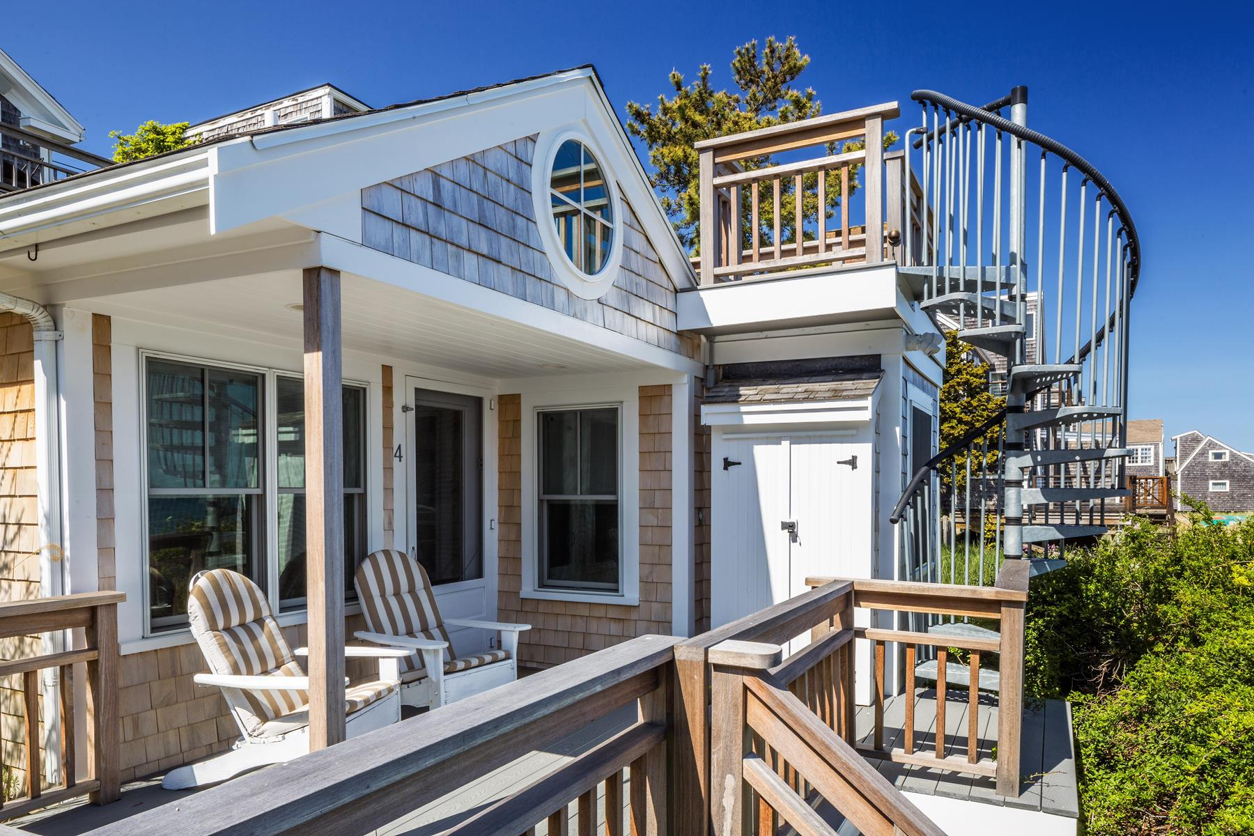 423 Commercial St, Provincetown, MA 02657
