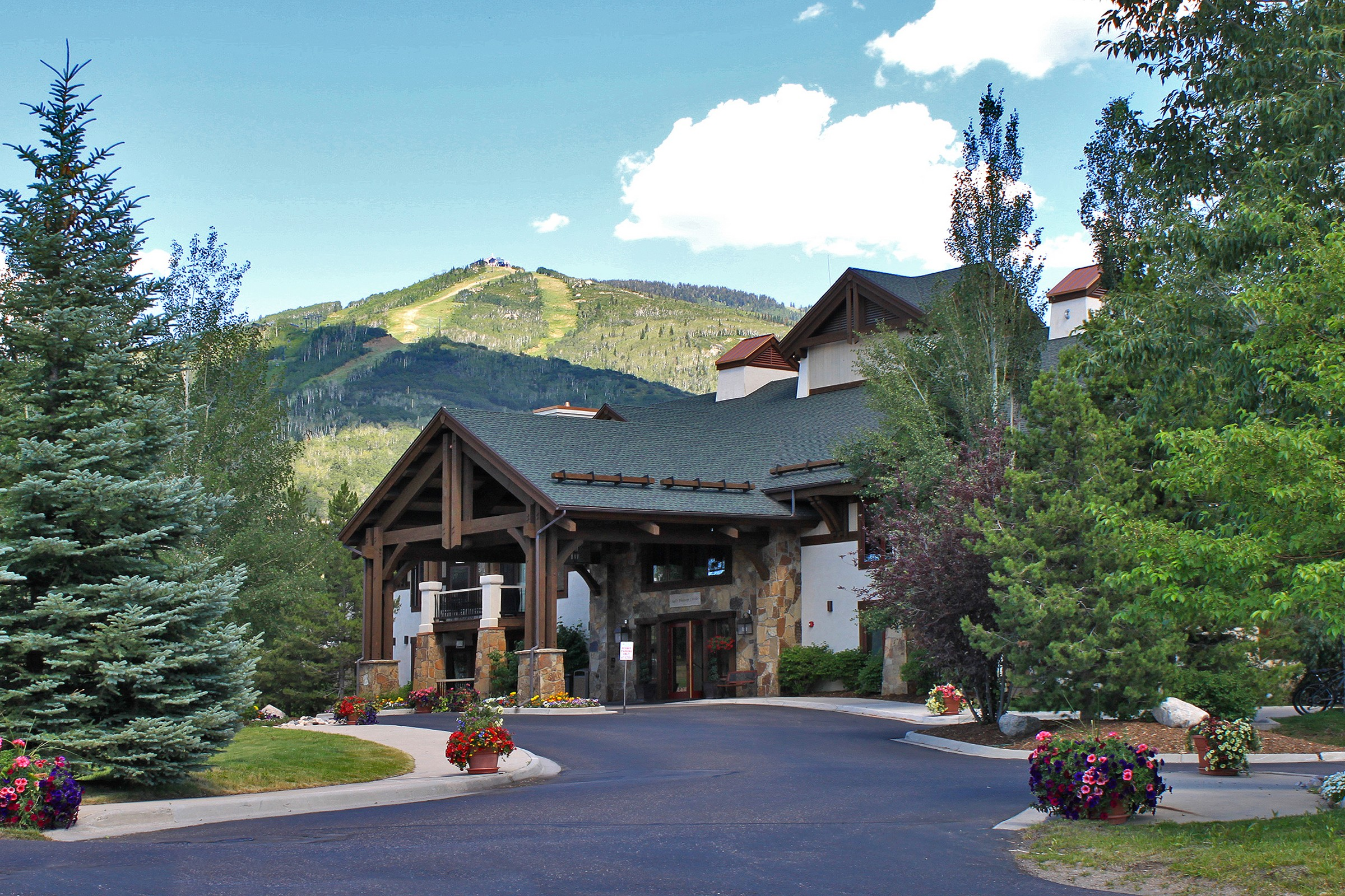 1463 Flattop Cir, Steamboat Springs, CO 80487