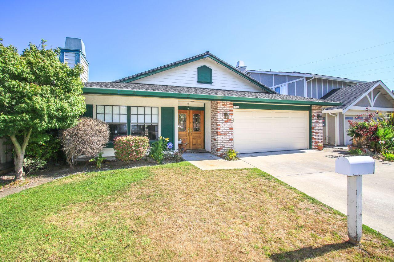 715 Somerset Ln, Foster City, CA 94404