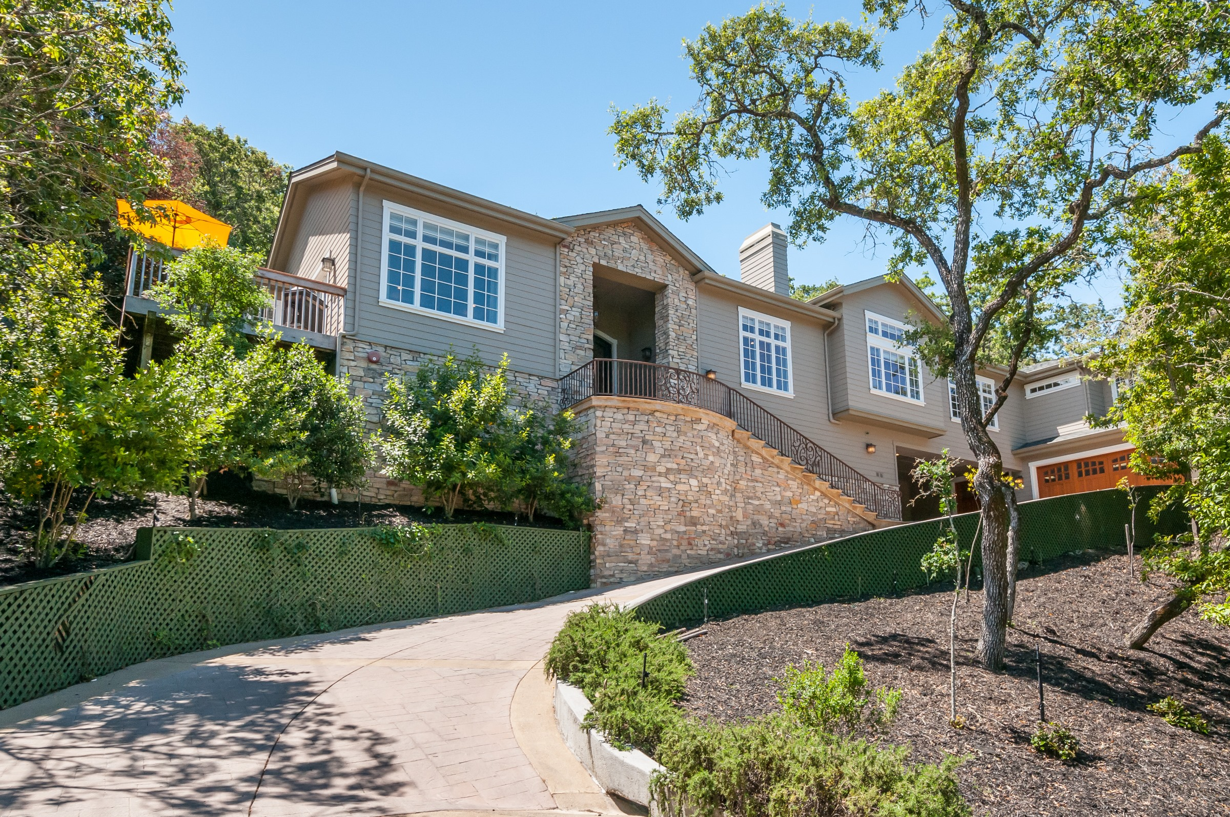 129 Lakeview Way, Emerald Hills, CA 94062