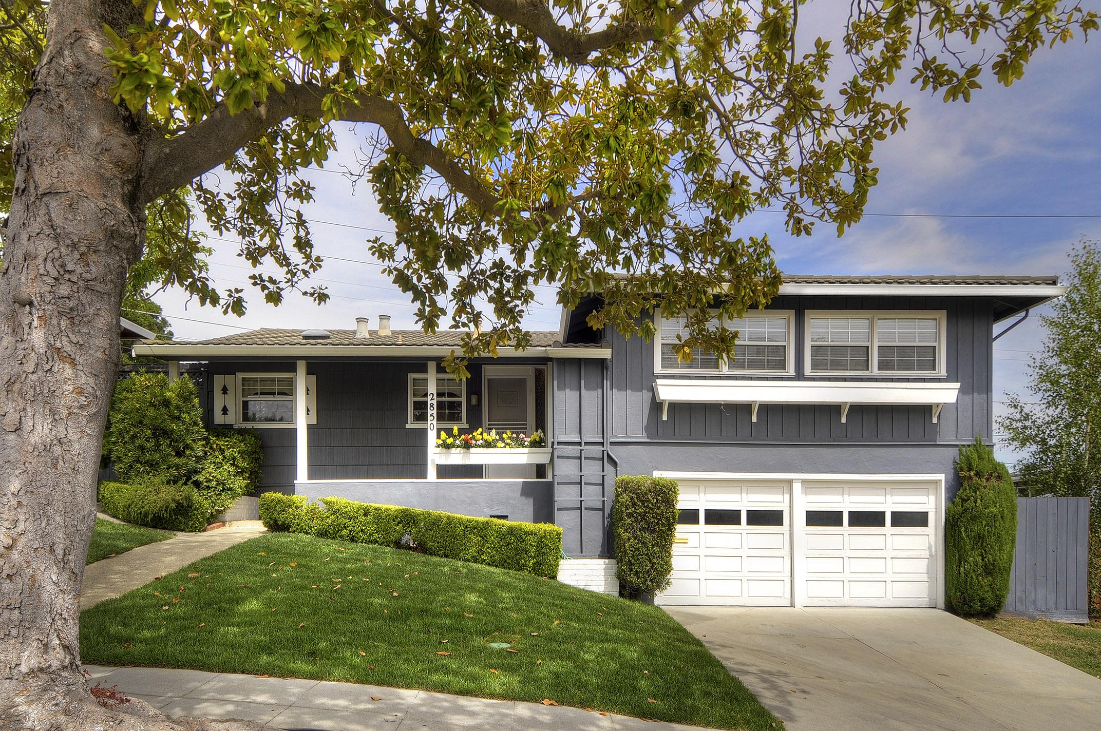 2850 Medford Ave, Redwood City, CA 94061