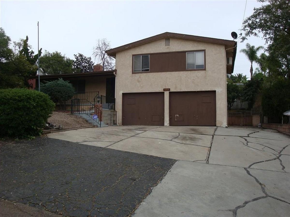 10325 Toledo Rd, Spring Valley, CA 91977