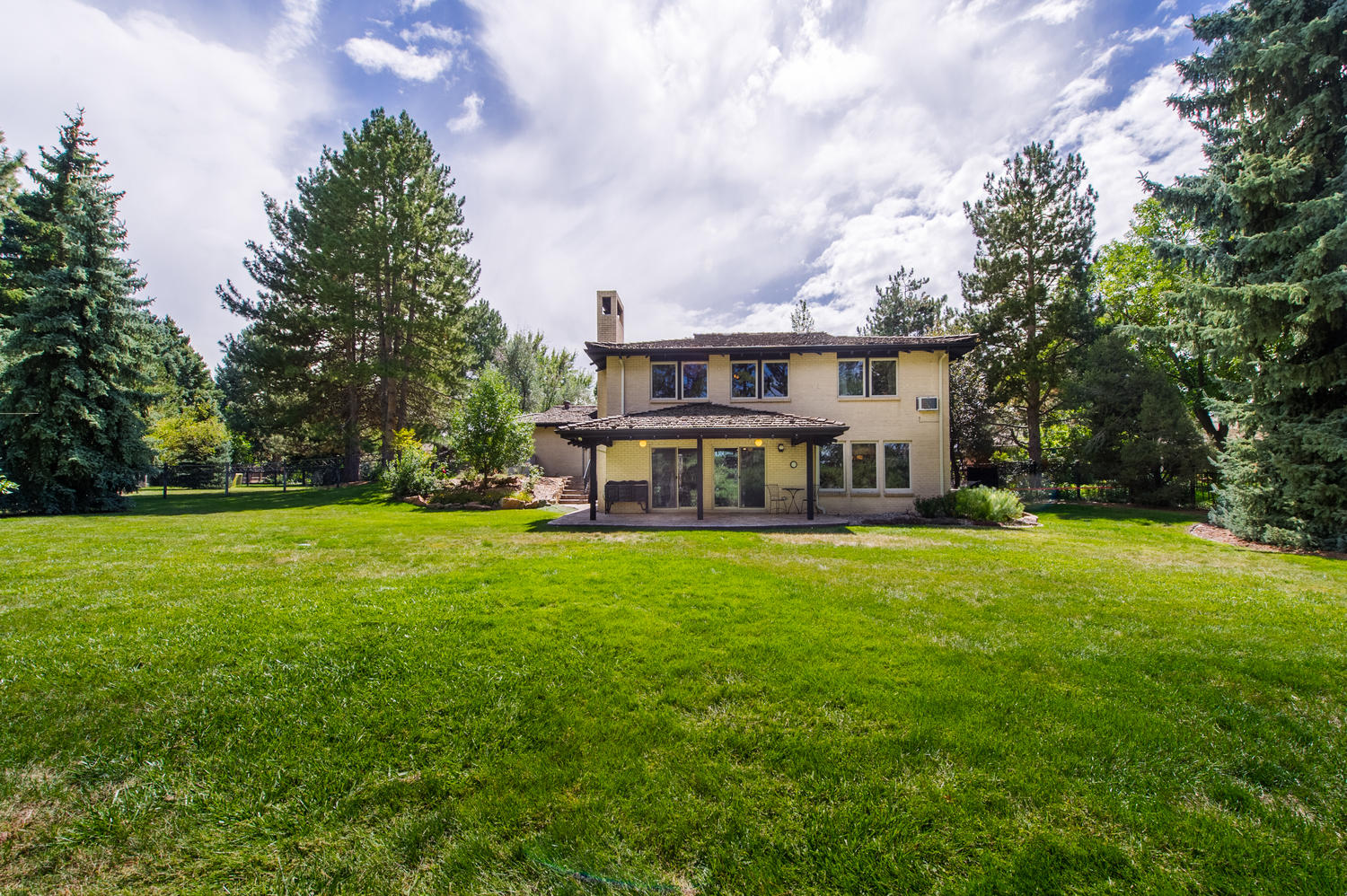 4295 S Forest Ct, Englewood, CO 80113