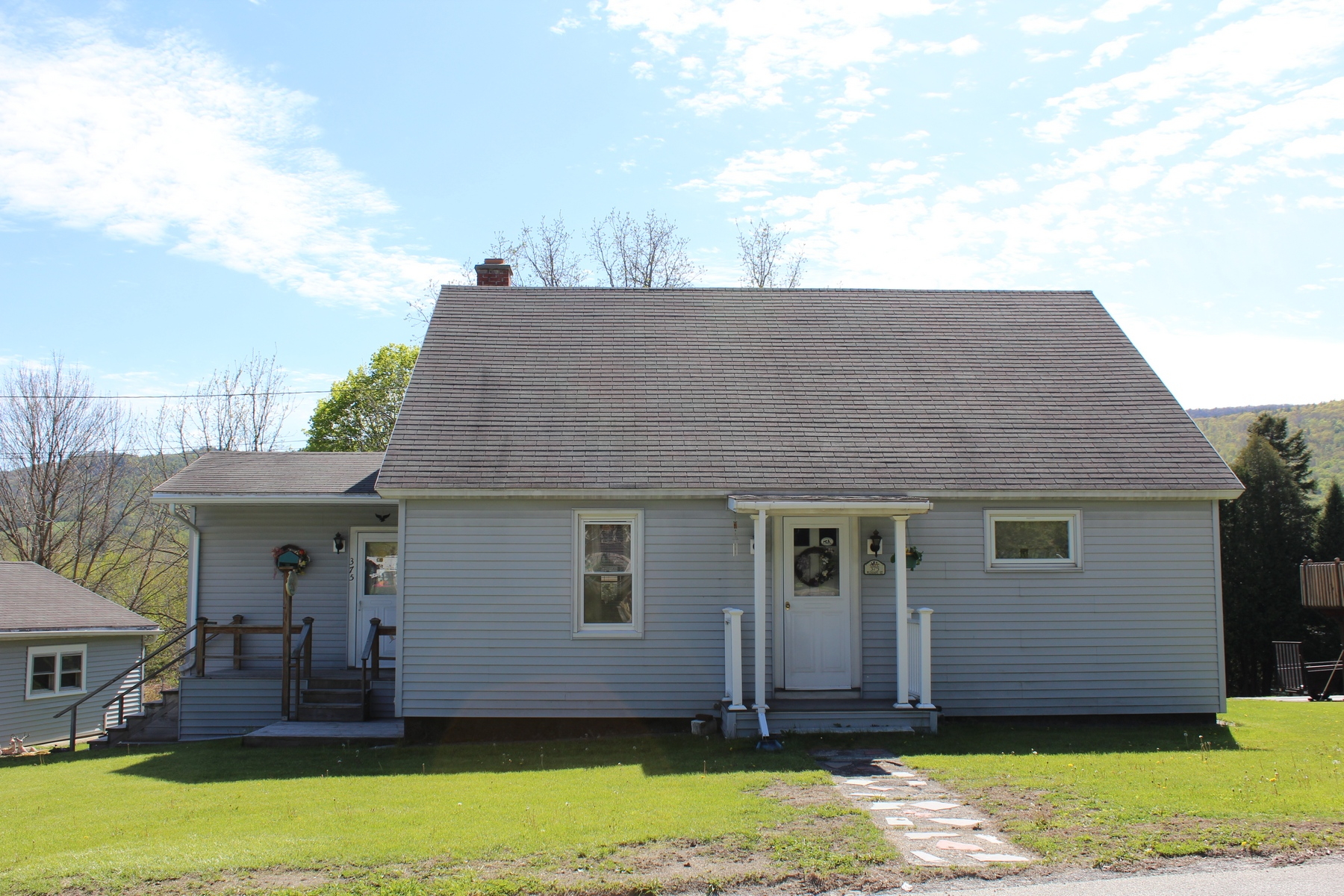 375 Pleasant St, West Rutland, VT 05777