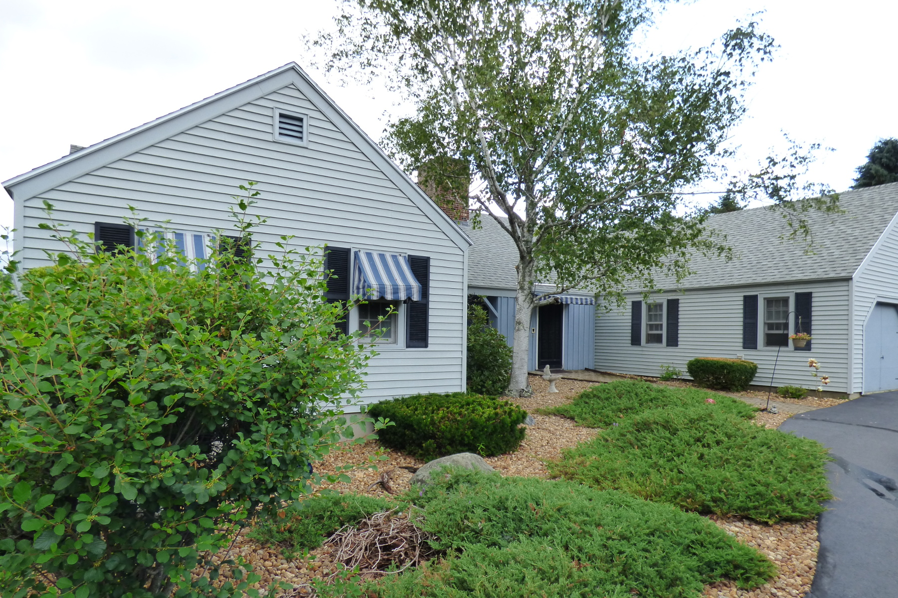 7 Ox Point Dr, Kittery, ME 03904