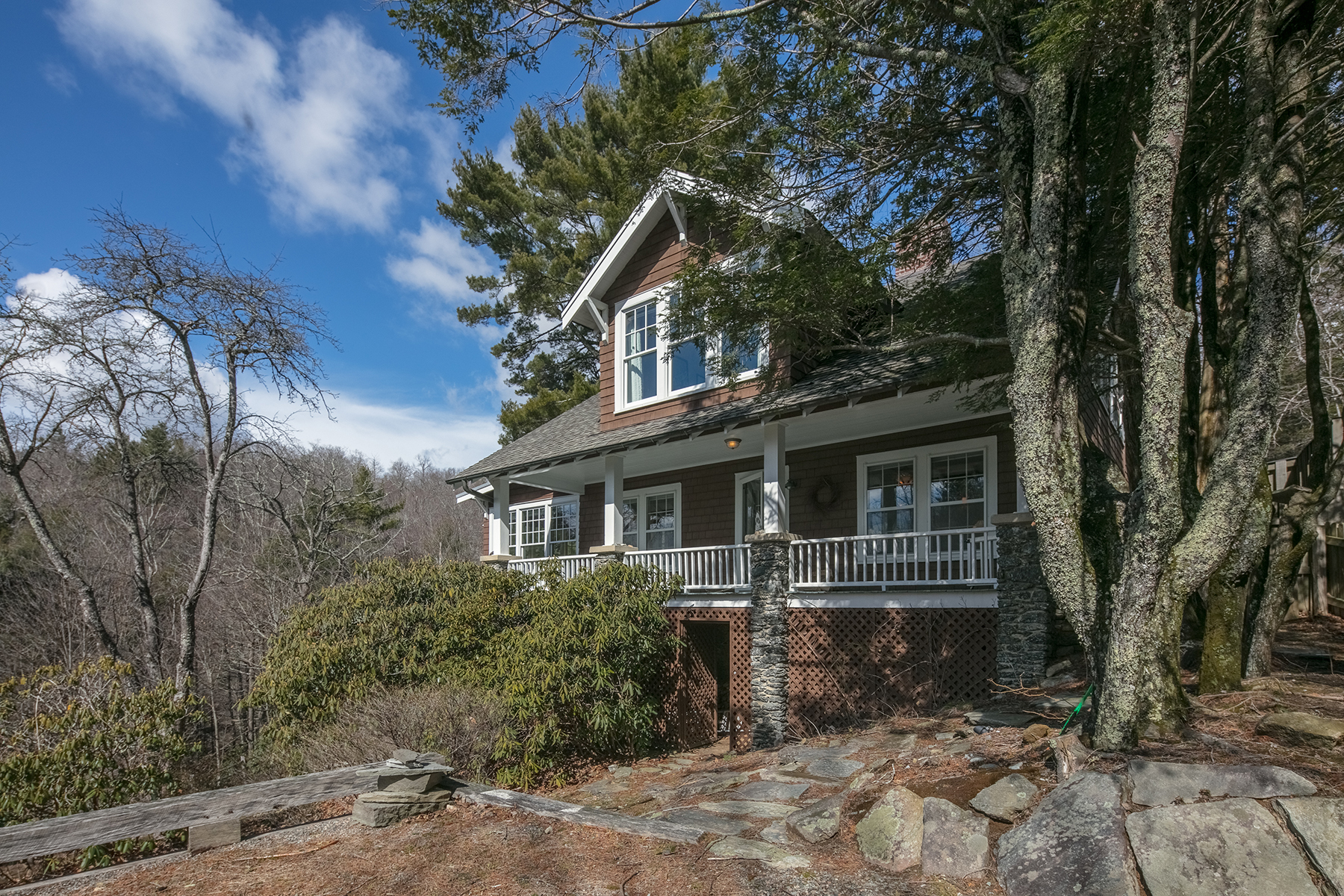 250 Globe Rd, Blowing Rock, NC 28605