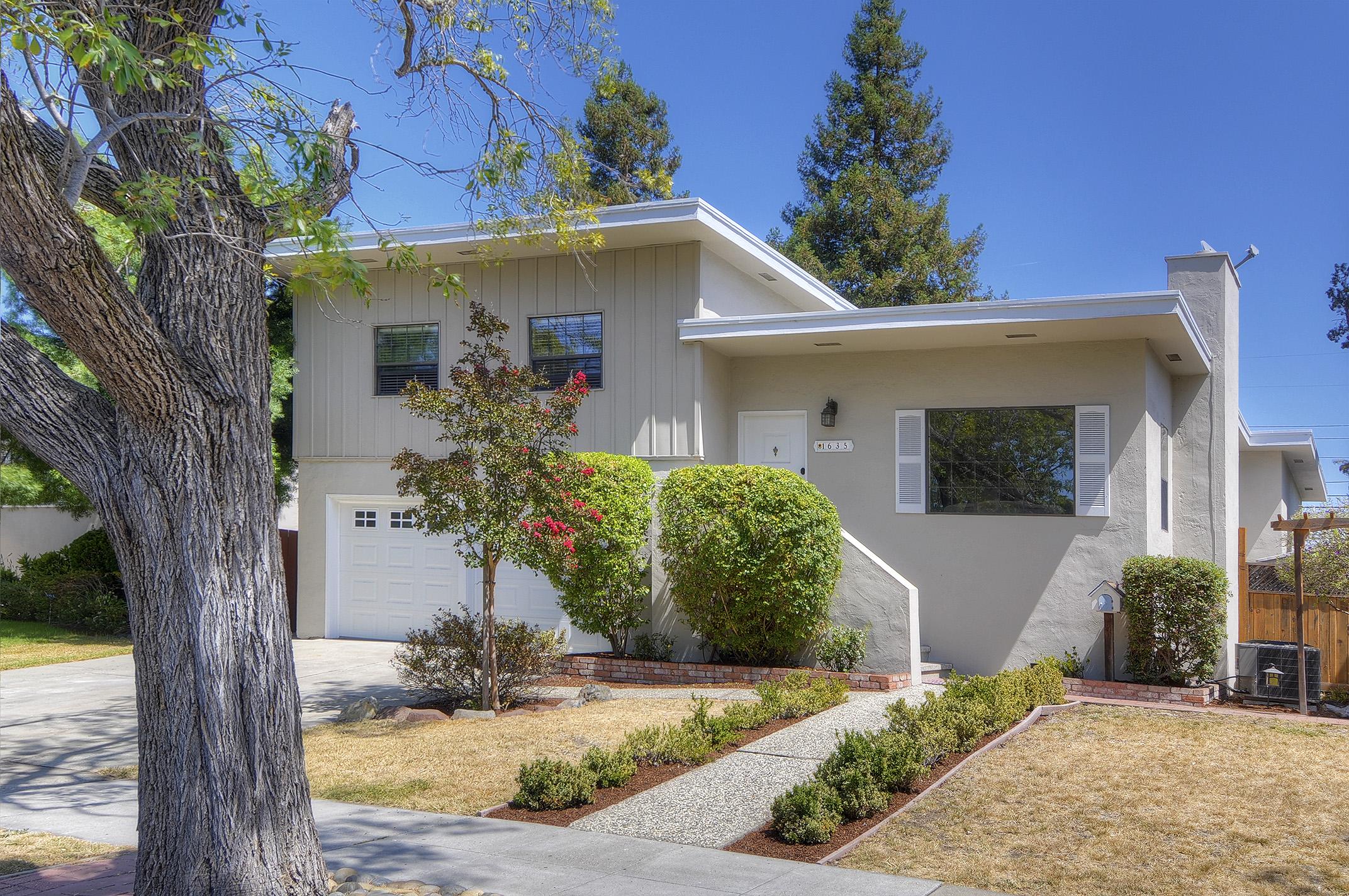 1635 Maddux Dr, Redwood City, CA 94061
