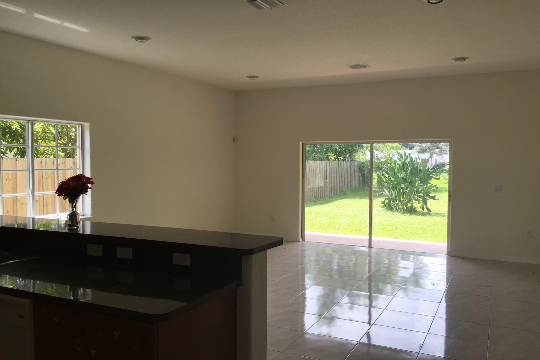 United States Miami 40 Nw 161 St For Sale On Propgoluxury