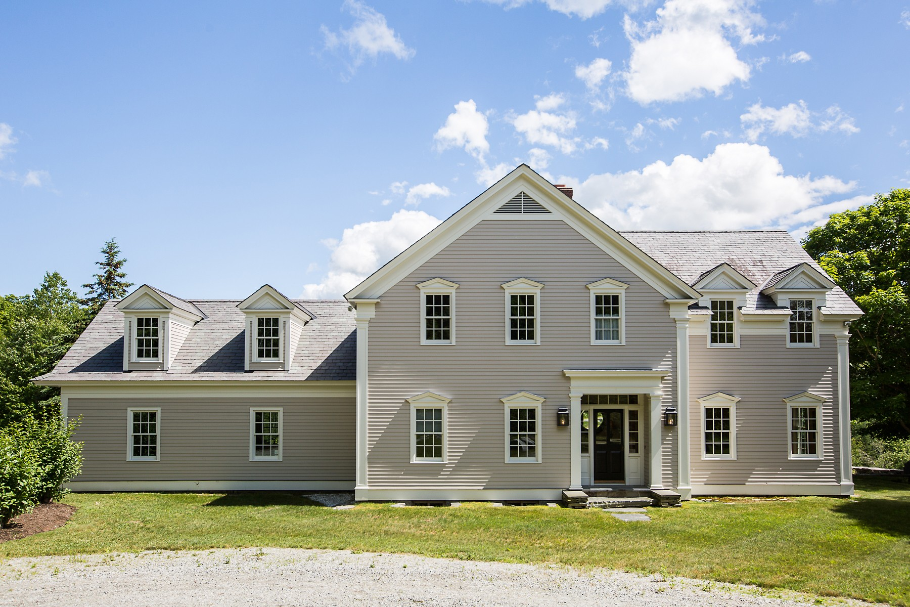 1426 Goodaleville Rd, South Londonderry, VT 05155
