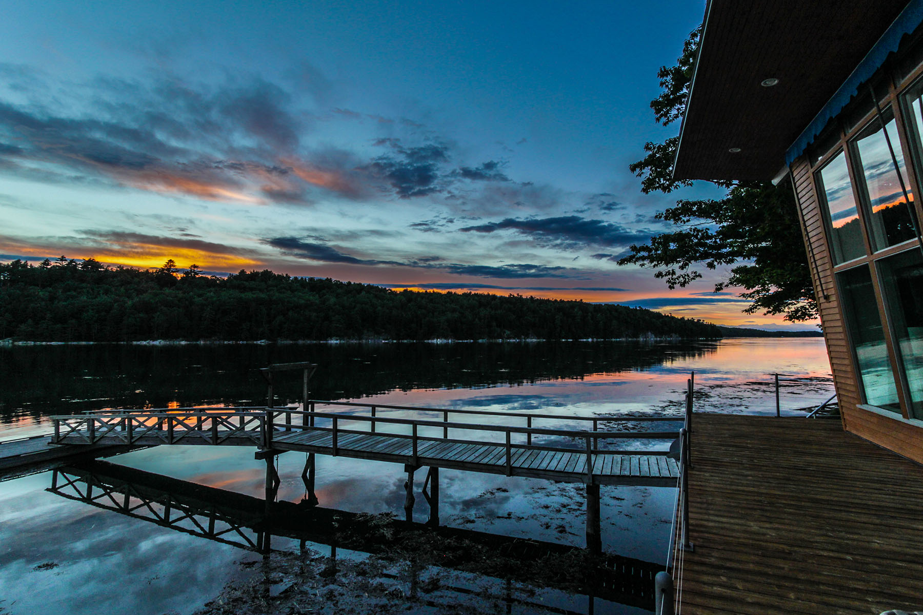669 Cross Point Rd, Edgecomb, ME 04556