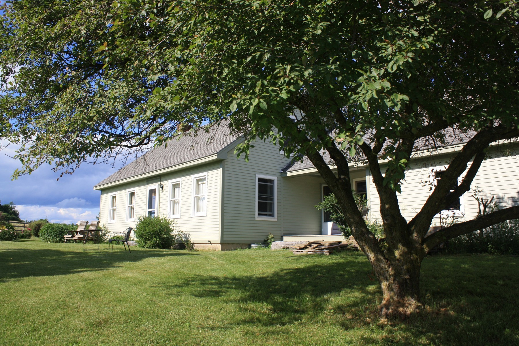 829 South St, New Haven, VT 05472