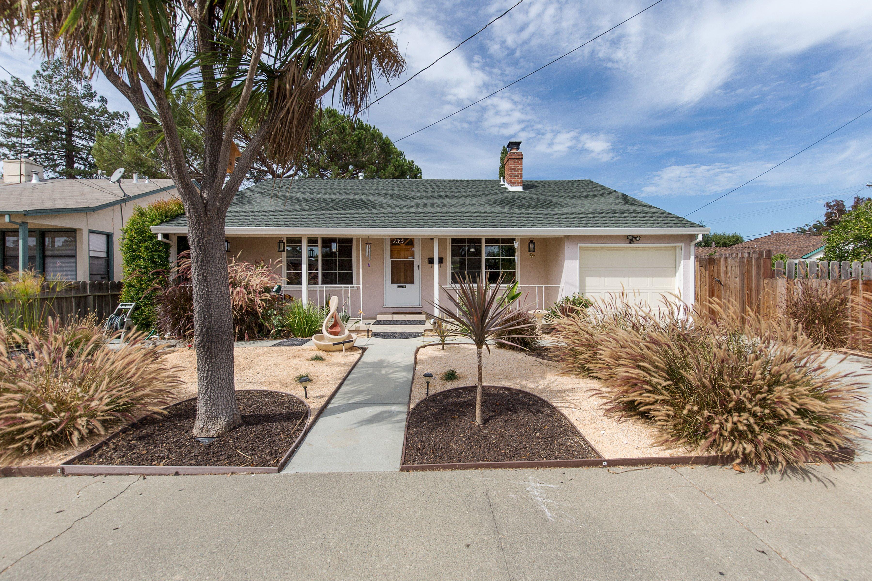 135 C St, Redwood City, CA 94063
