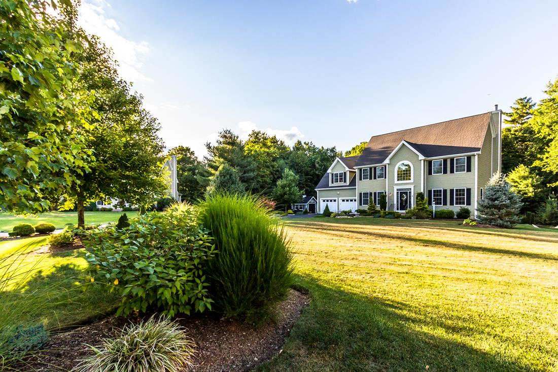 11 Russell Ct, Mendon, MA 01756