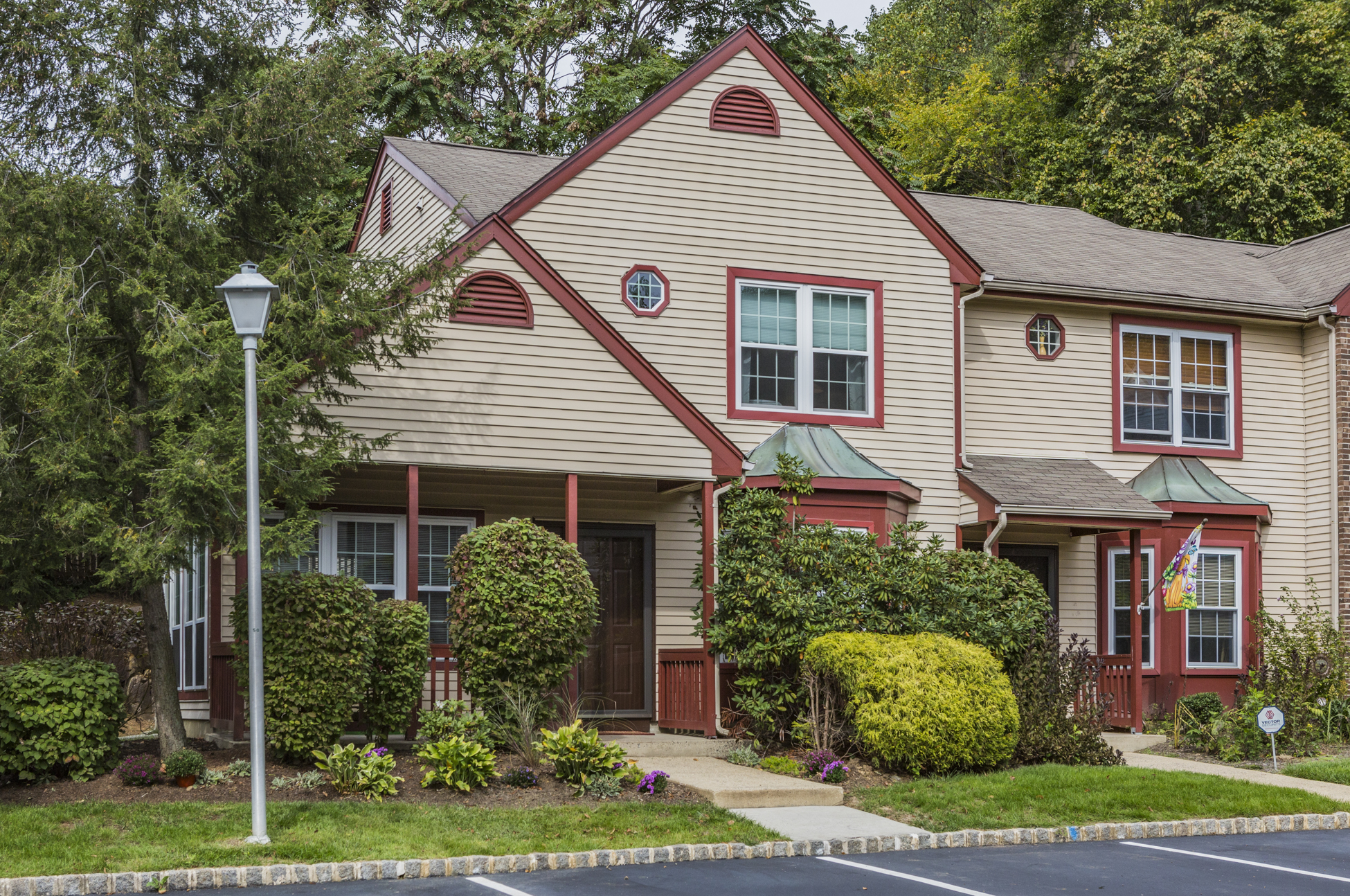 1112 Hickory Ct, Monmouth Junction, NJ 08852