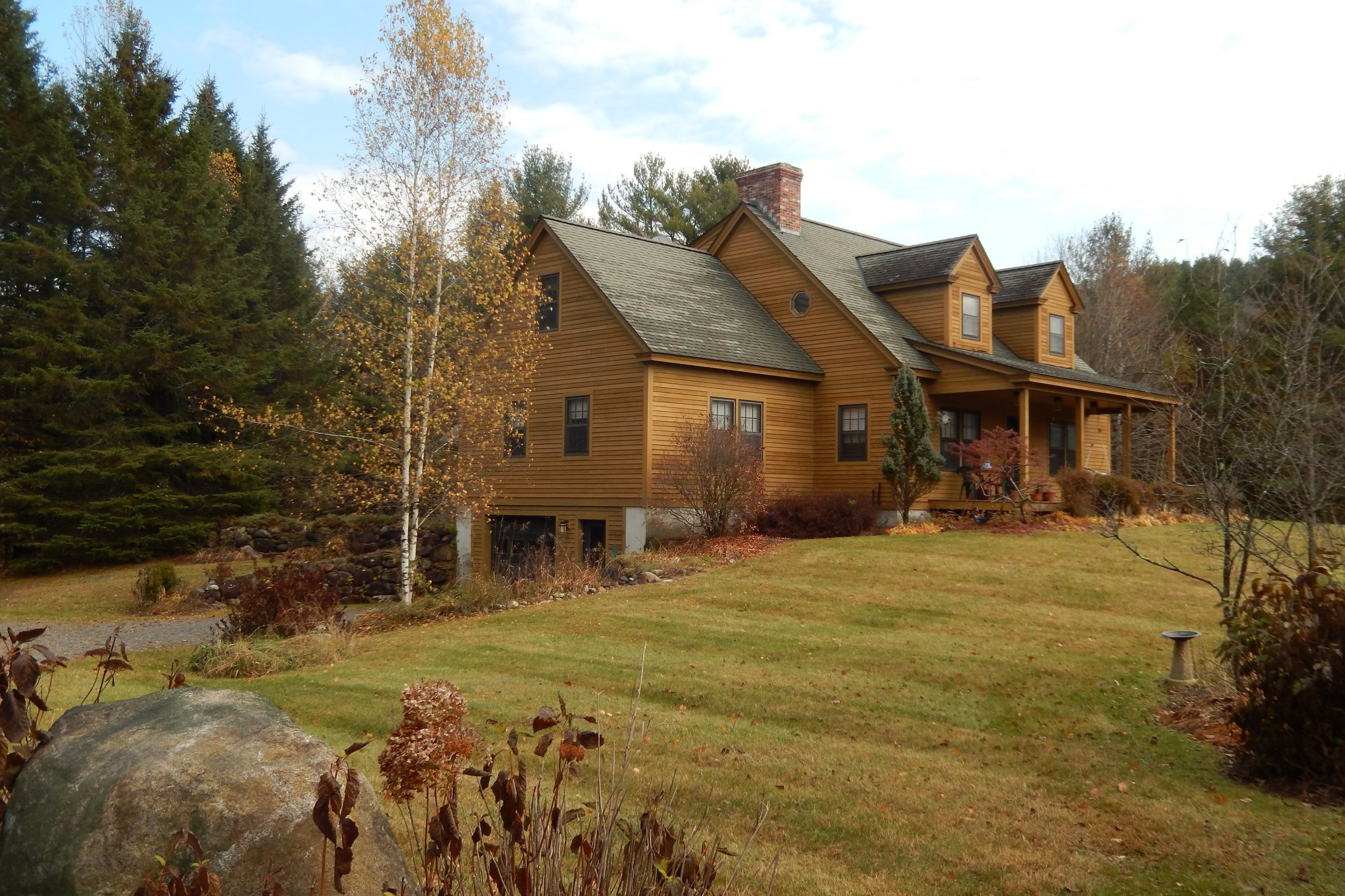 16 Bruleigh Rd, East Corinth, VT 05040