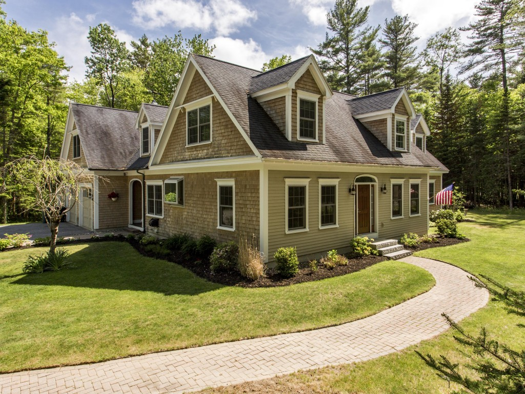 55 Dune Dr, Freeport, ME 04032