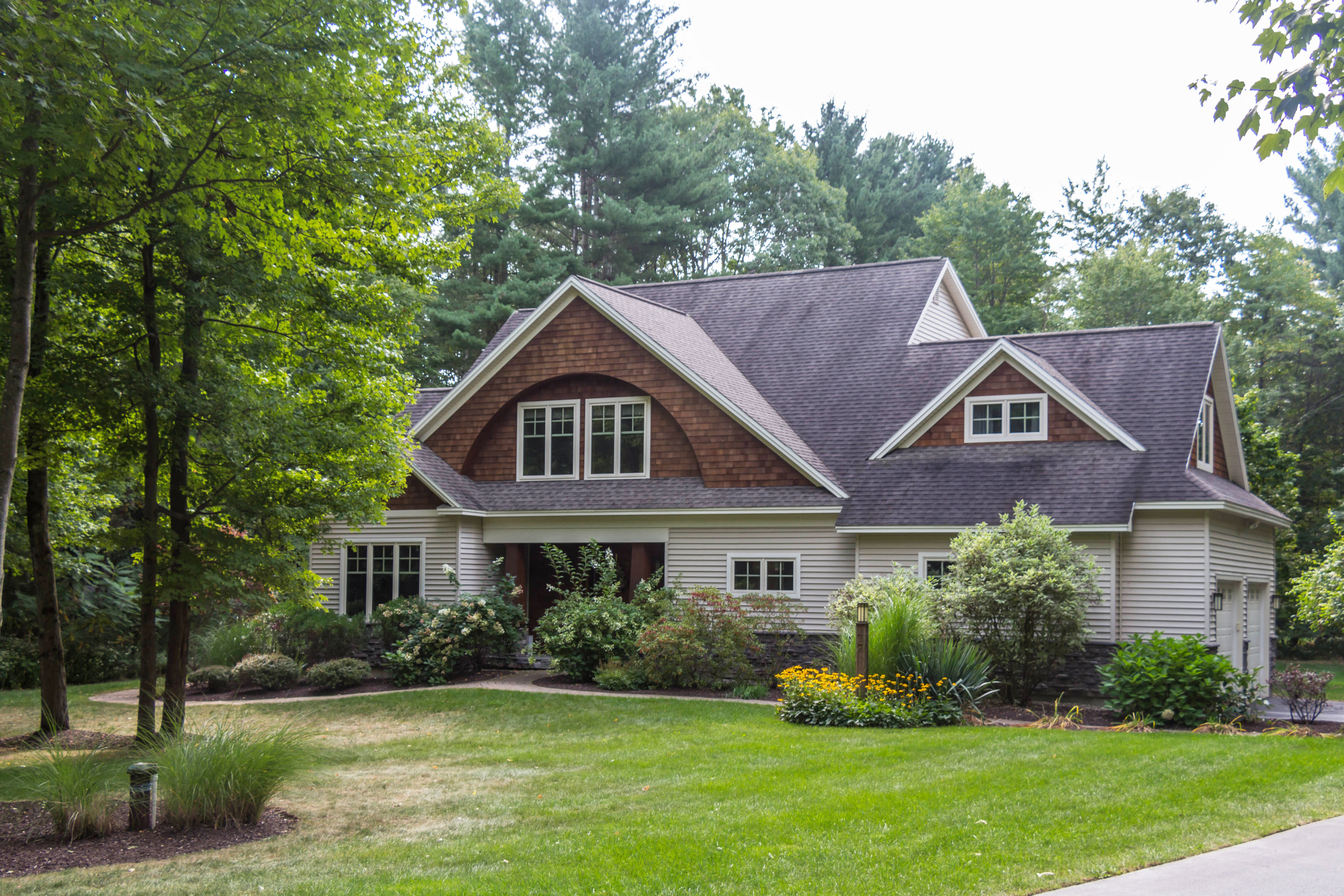 35 Brookstone Dr, Greenfield Center, NY 12833