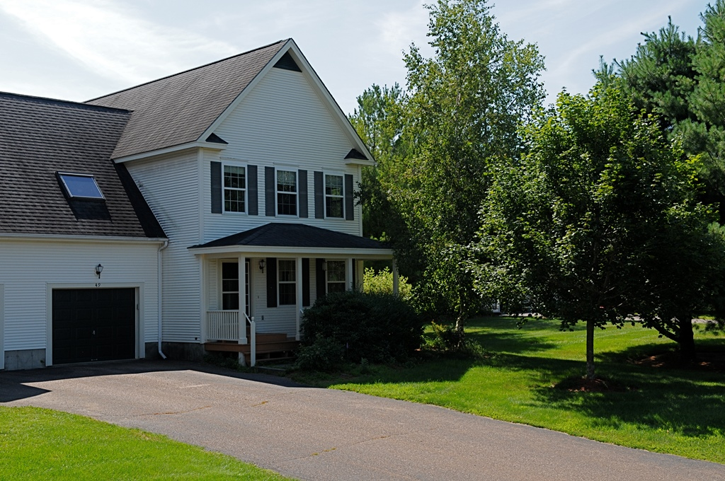 49 Granite Creek Rd, Colchester, VT 05446