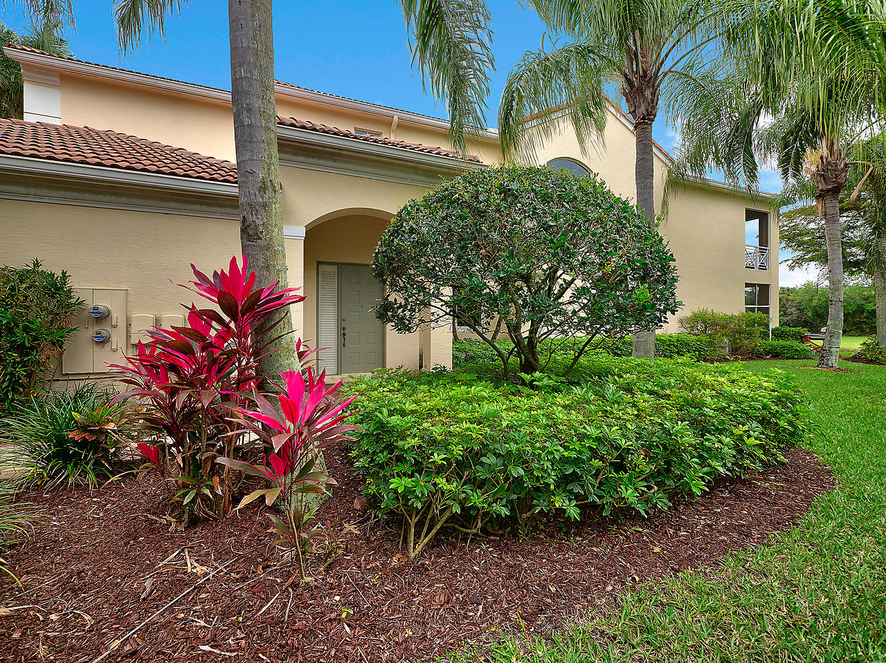120 Palm Bay Drive, one of homes for sale in Palm Beach Gardens
