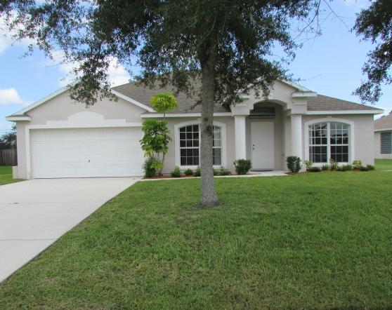 713 Se Brookedge Avenue, Port Saint Lucie, FL 34983