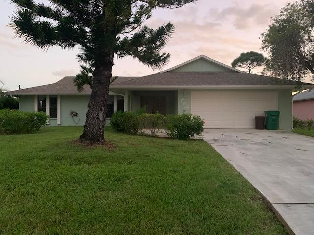 792 Se Majestic Terrace, Port Saint Lucie, FL 34953