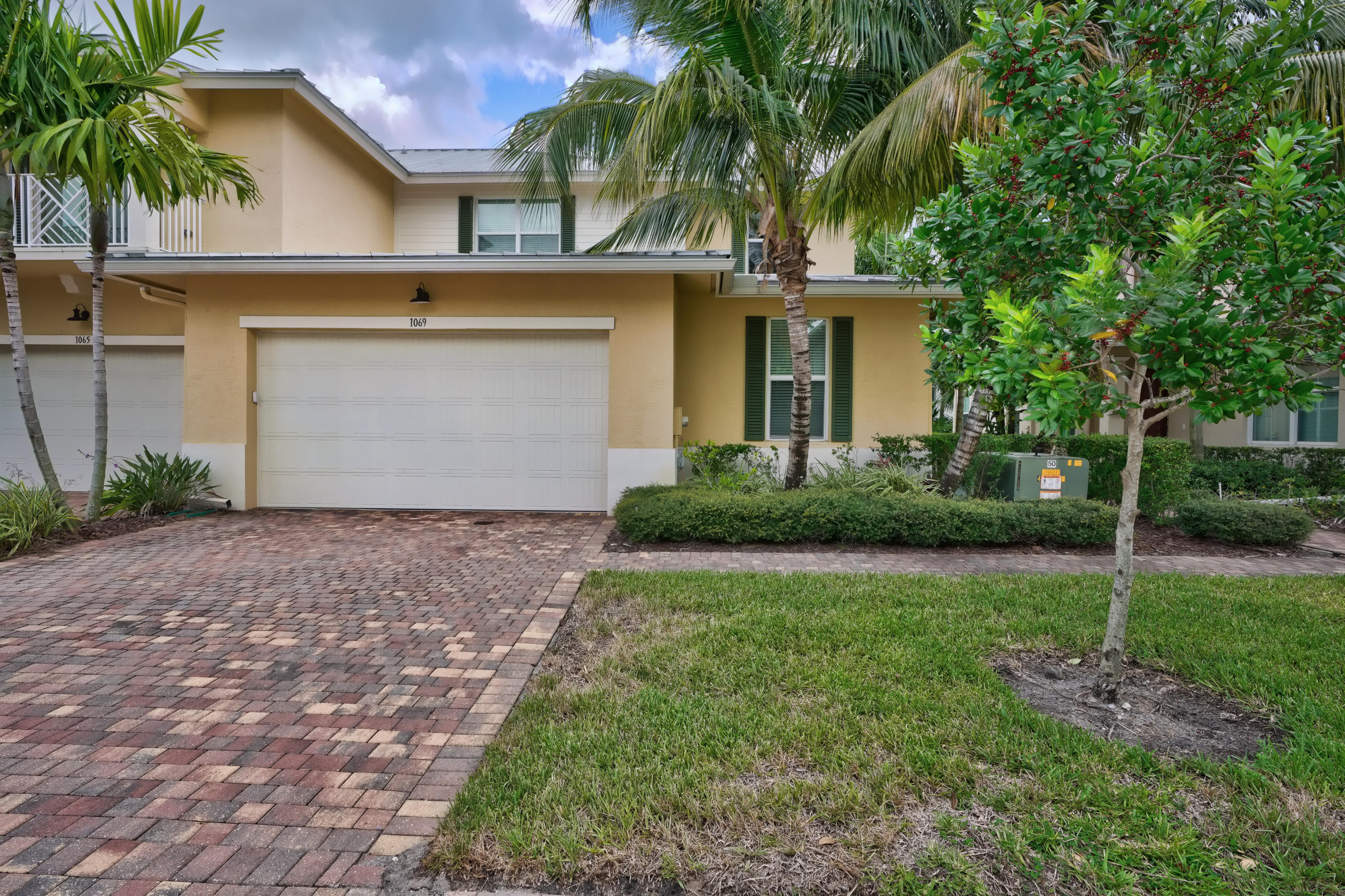1069 Piccadilly Street, Palm Beach Gardens in Palm Beach County, FL 33418 Home for Sale