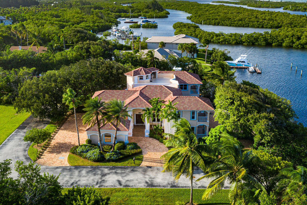 8475 SE Governors Way, Hobe Sound, Florida