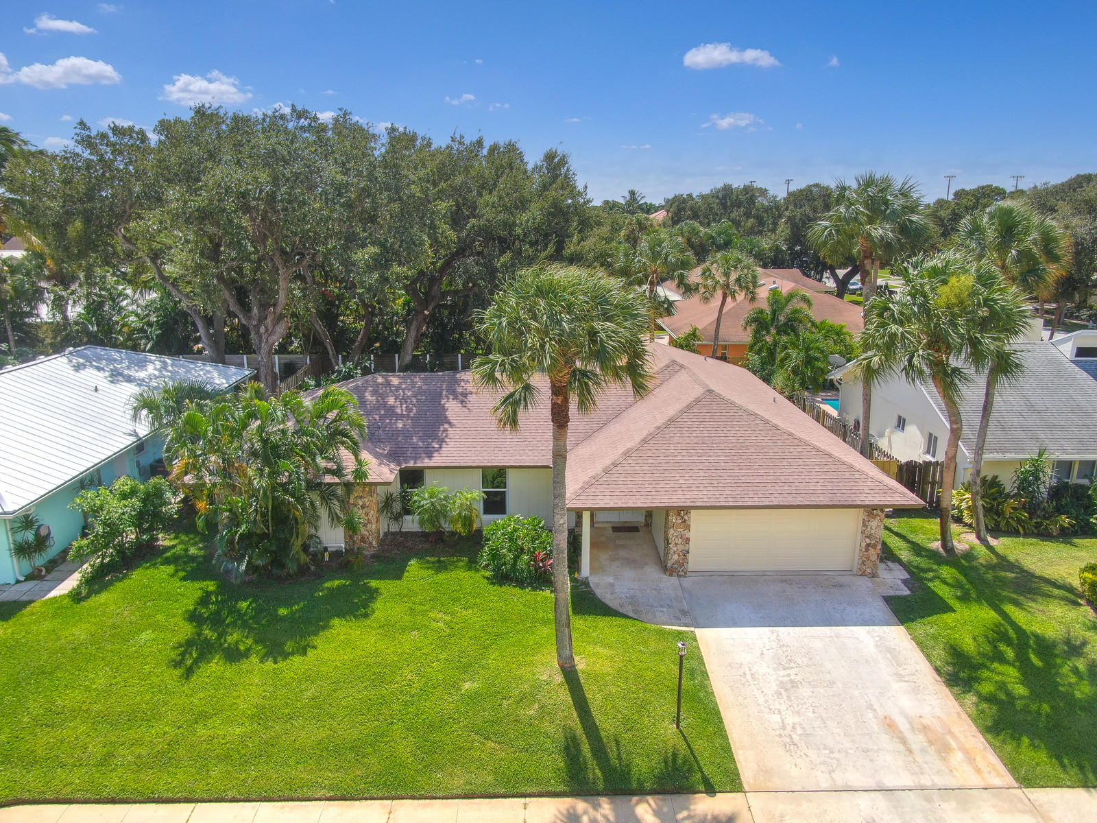 2562 Pepperwood Circle, North Palm Beach, Florida
